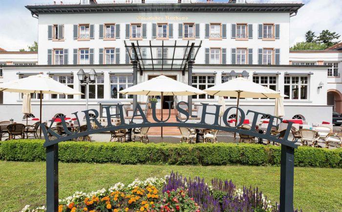 Hier sehen Sie die schöne außen Ansicht von Kurhaushotel Bad Salzhausen. Es sieht sehr Eindrucksvoll aus.