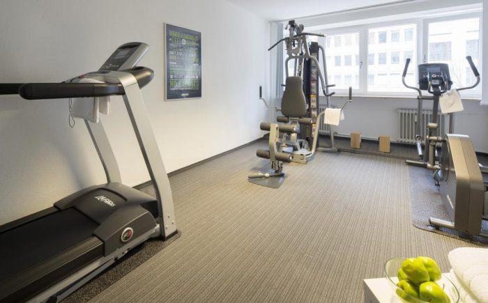 In dem Fitnessraum finden Sie alles was für den morgen Sport oder auch Abends benötigt wird.