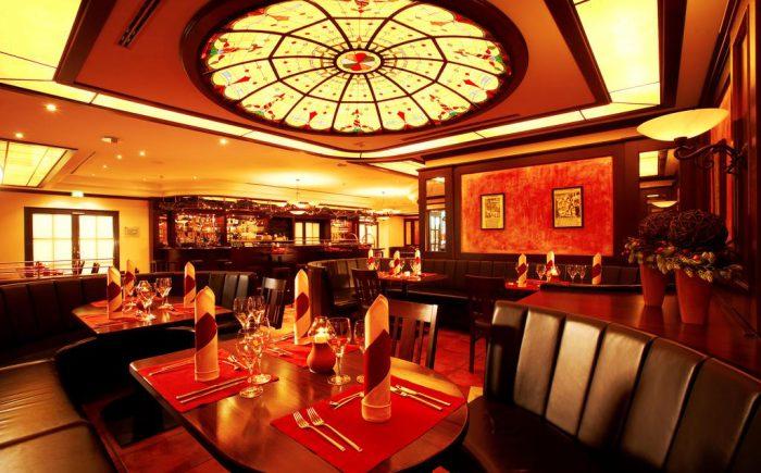 ESPERANTO Kongress- und Kulturzentrum das Restaurant ist sehr einladend und Verzaubert die Gäste mit sehr leckeren Speisen und Getränken.