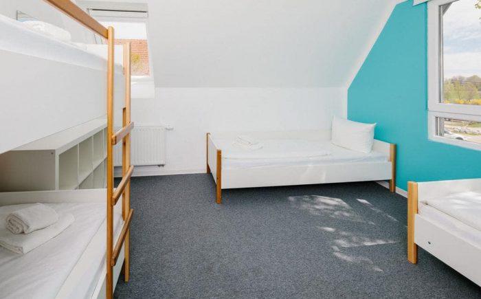 Tagungszentrum Blaubeuren ein großes Zimmer für Familien und Kinder jeden Alters.