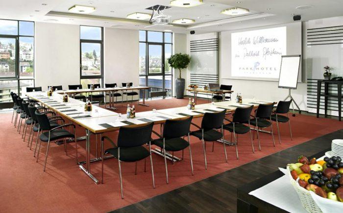 Kleiner Heller Tagungsraum